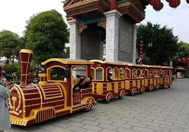 景区观光火车你知道观光火车需要多久保养一次?
