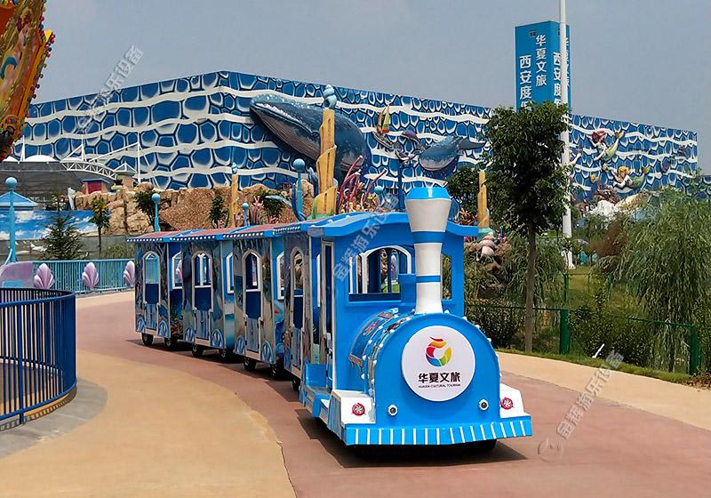 旅游景点小火车
