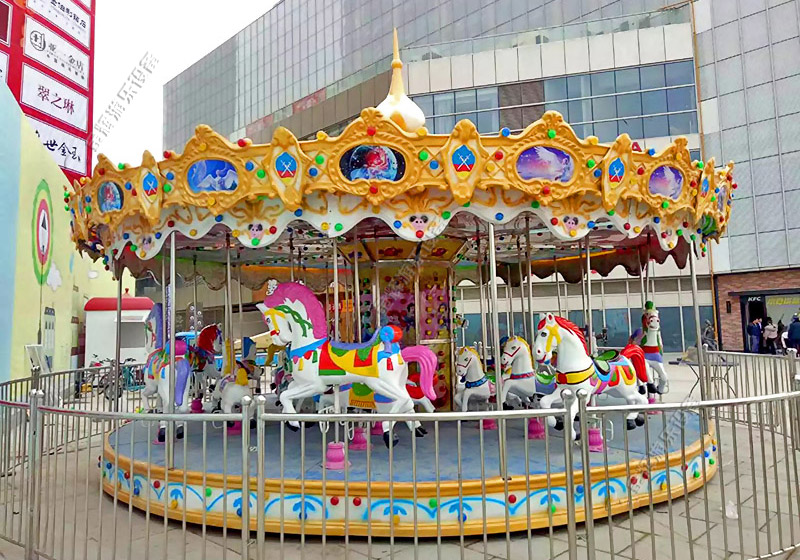 江西宜春润达国际广场引进旋转木马、小摆锤等游乐设备