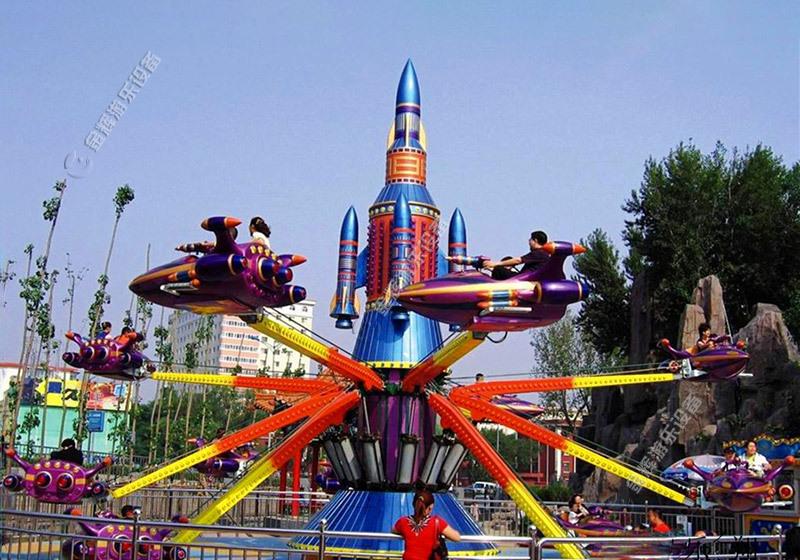 山西长治游乐场自控飞机、旋转木马给你带来不一样的欢乐