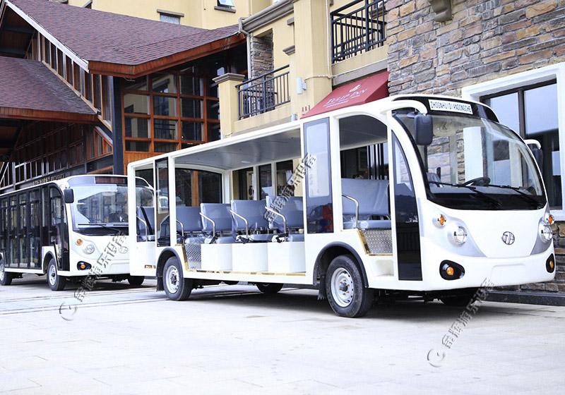 新疆吐鲁番客户采购观光车案例